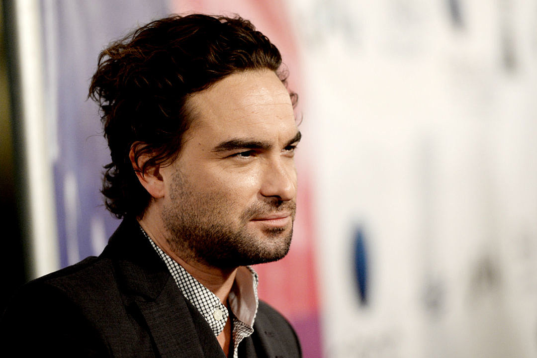 new details for 39 rings 39 johnny galecki joins cast