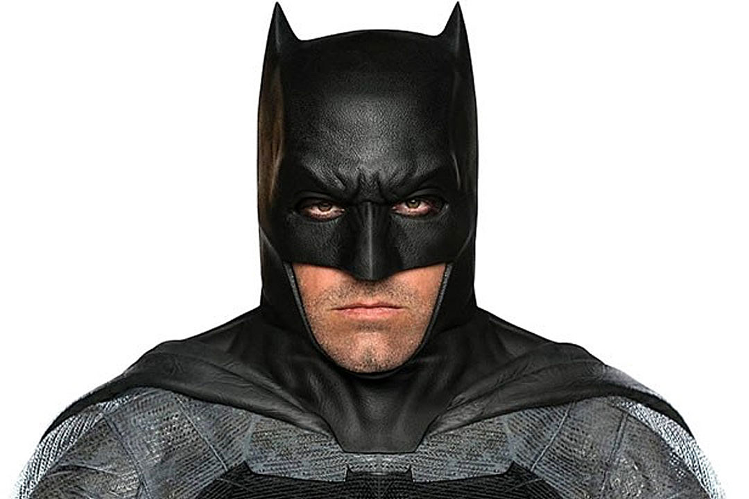 first clear full color look at ben affleck in costume