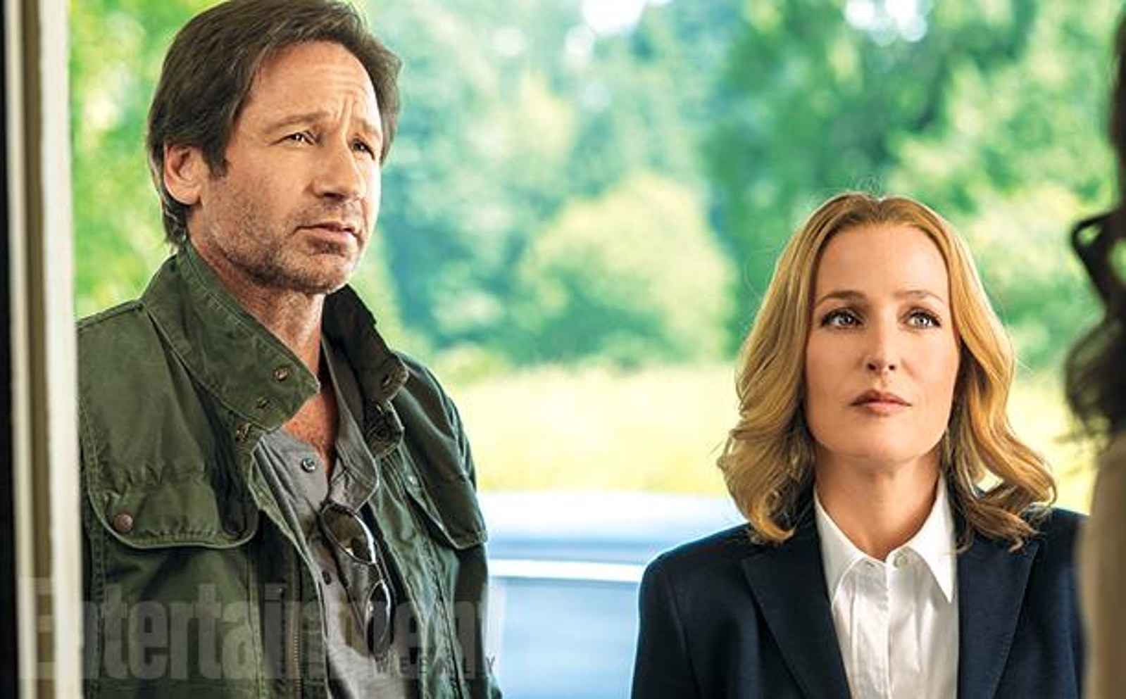 http://screencrush.com/442/files/2015/06/the-x-files.jpg?w=1600&cdnnode=1
