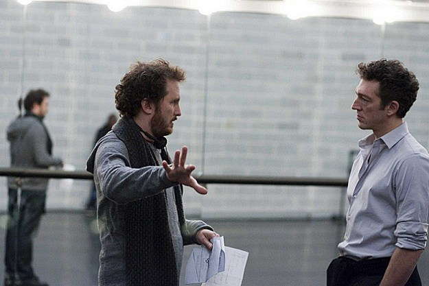 Darren Aronofksy on the set of 'Black Swan'