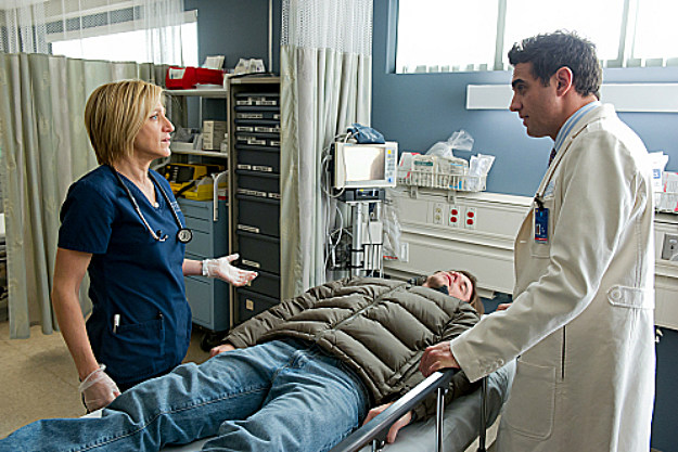 "'Nurse Jackie' Review, ""Are Those Feathers?"""