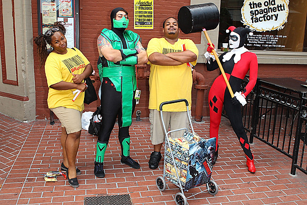 Comic-Con 2012 Cosplay - Mortal Kombat and Batman