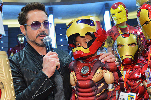 Comic-Con 2012 Robert Downey Jr. greets Iron Man fans