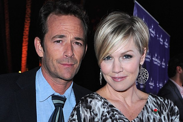 90210 Luke Perry Jennie Garth Sitcom