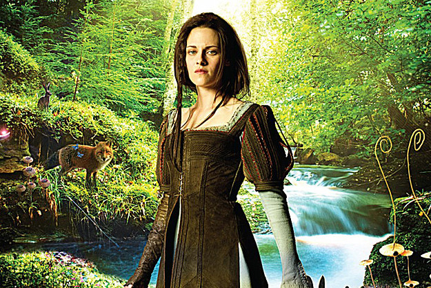 Kristen Stewart in 'Snow White and the Huntsman 2'