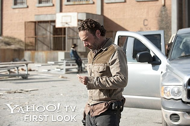 The Walking Dead Season 3 Finale Photos Welcome to the Tombs