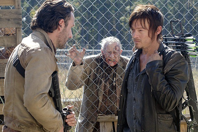The Walking Dead This Sorrowful Life Preview Photos Daryl