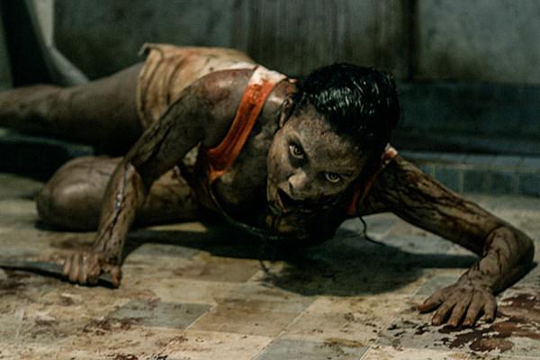 New 'Evil Dead' Clip: Stabbing, Slashing and Smashing