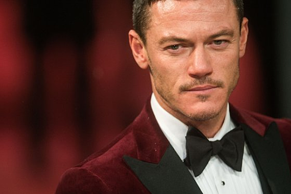 Luke Evans is 'The Crow'