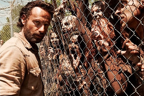 The walking dead and silent hill haunt universal this halloween?