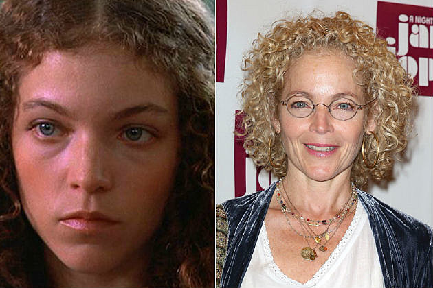 see the cast of carrie then and now