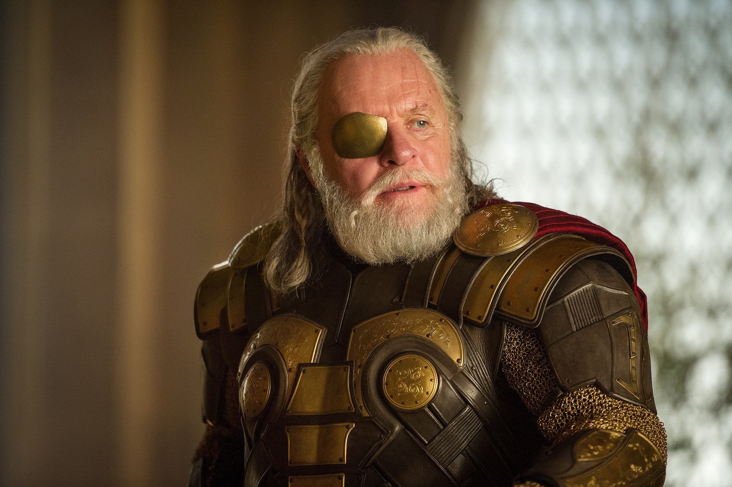 'Thor 2' Reveals More Than 40 New Photos of 'The Dark World'