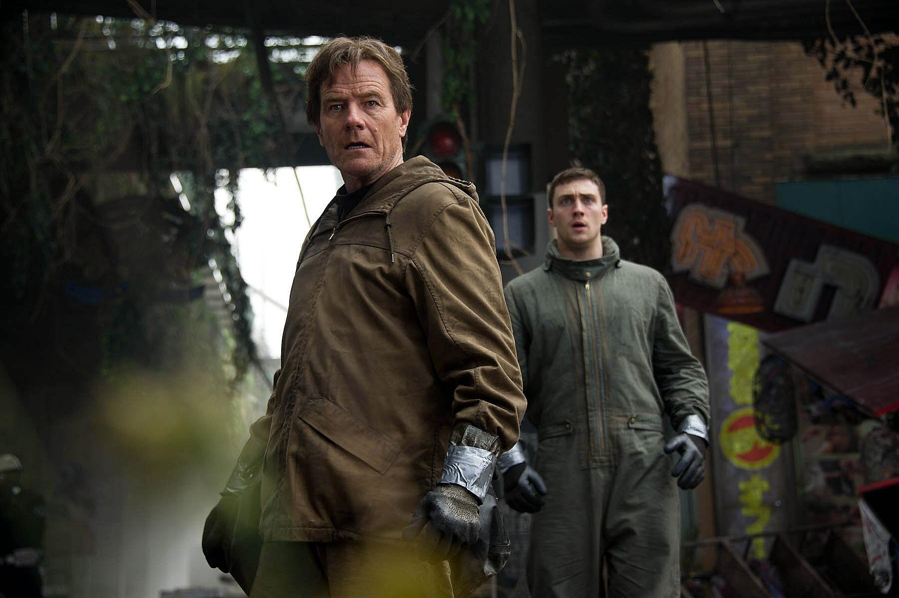 Godzilla Pics Bryan Cranston Aaron Taylor-Johnson