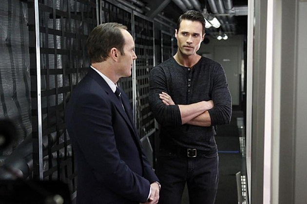 Marvel Agents of SHIELD TAHITI Photos Clip Bill Paxton