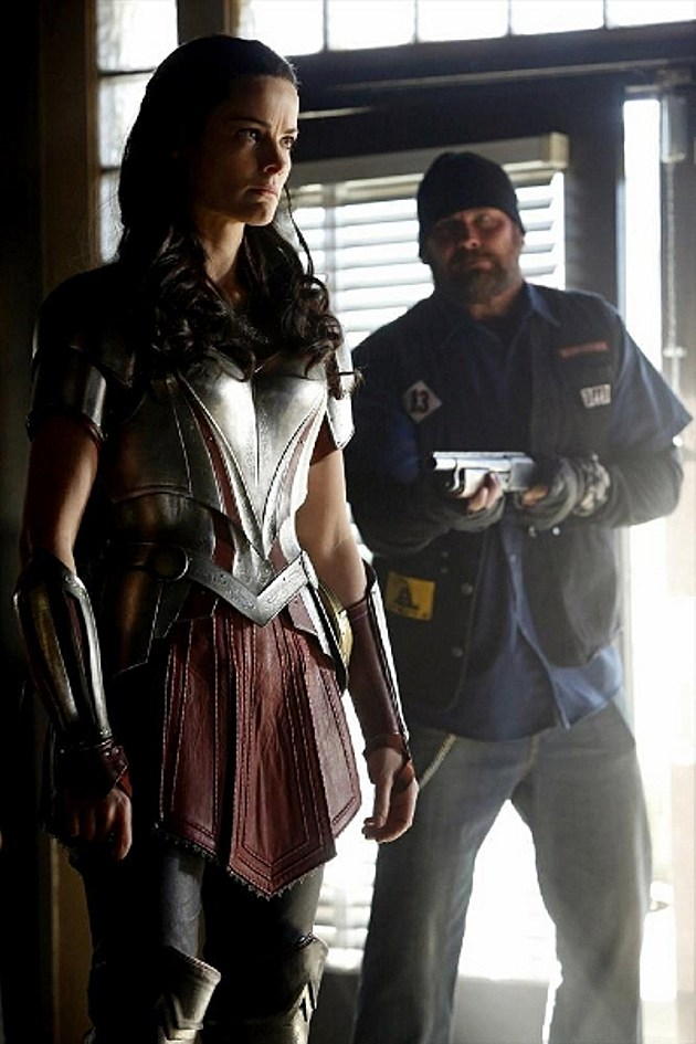 Agents of SHIELD Lady Sif Photos Jaimie Alexander Yes Men
