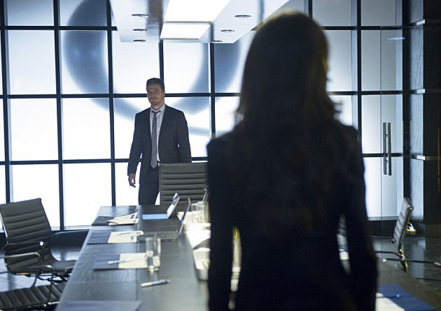 Arrow Deathstroke Photos Slade Summer Glau