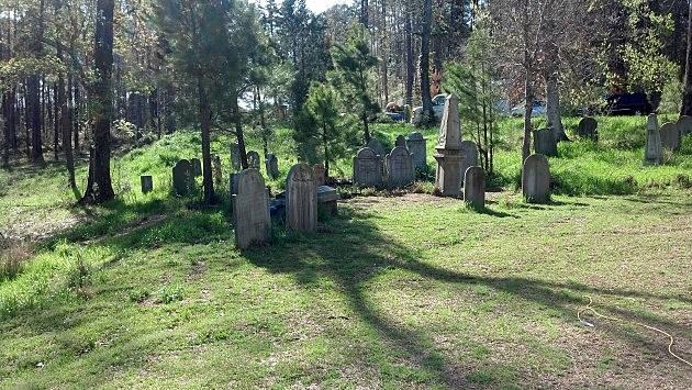 WGN Salem Set Visit Graveyard