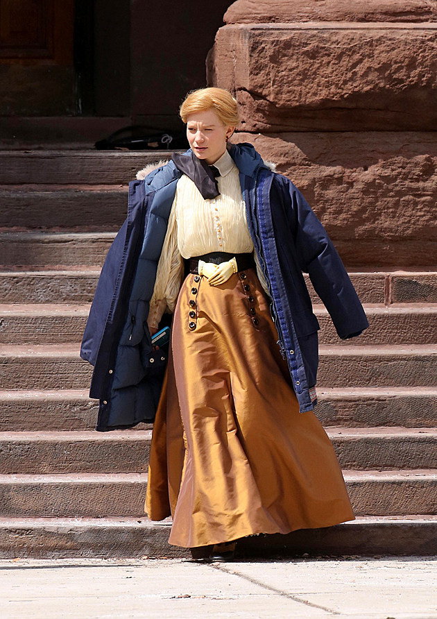 Crimson Peak Set Photos Mia Wasikowska