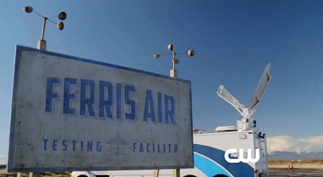 CW The Flash Trailer Guide Green Lantern Ferris Air