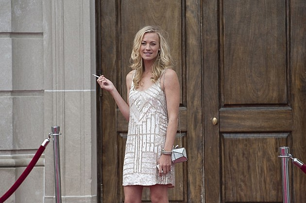 Louie Season 4 Premiere Photos Model Yvonne Strahovski