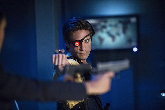 Arrow Finale Unthinkable Preview Photos Deadshot