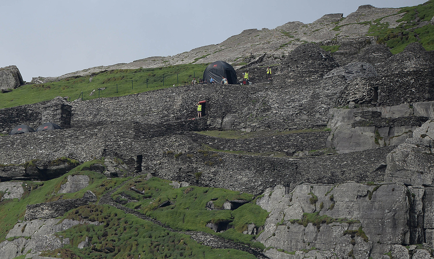 Star Wars Episode 7 Set Photo Skellig Island