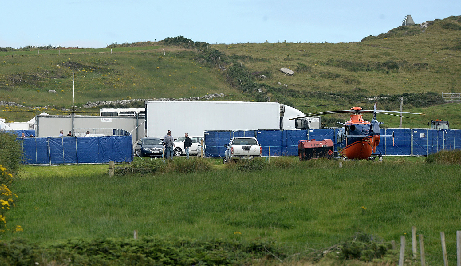 Star Wars Episode 7 Set Photos Skellig Island