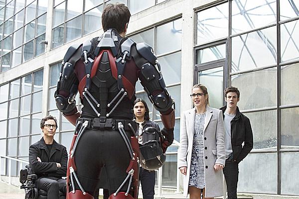 'The Flash' WonderCon Trailer Drops Major SnowBarry Tease