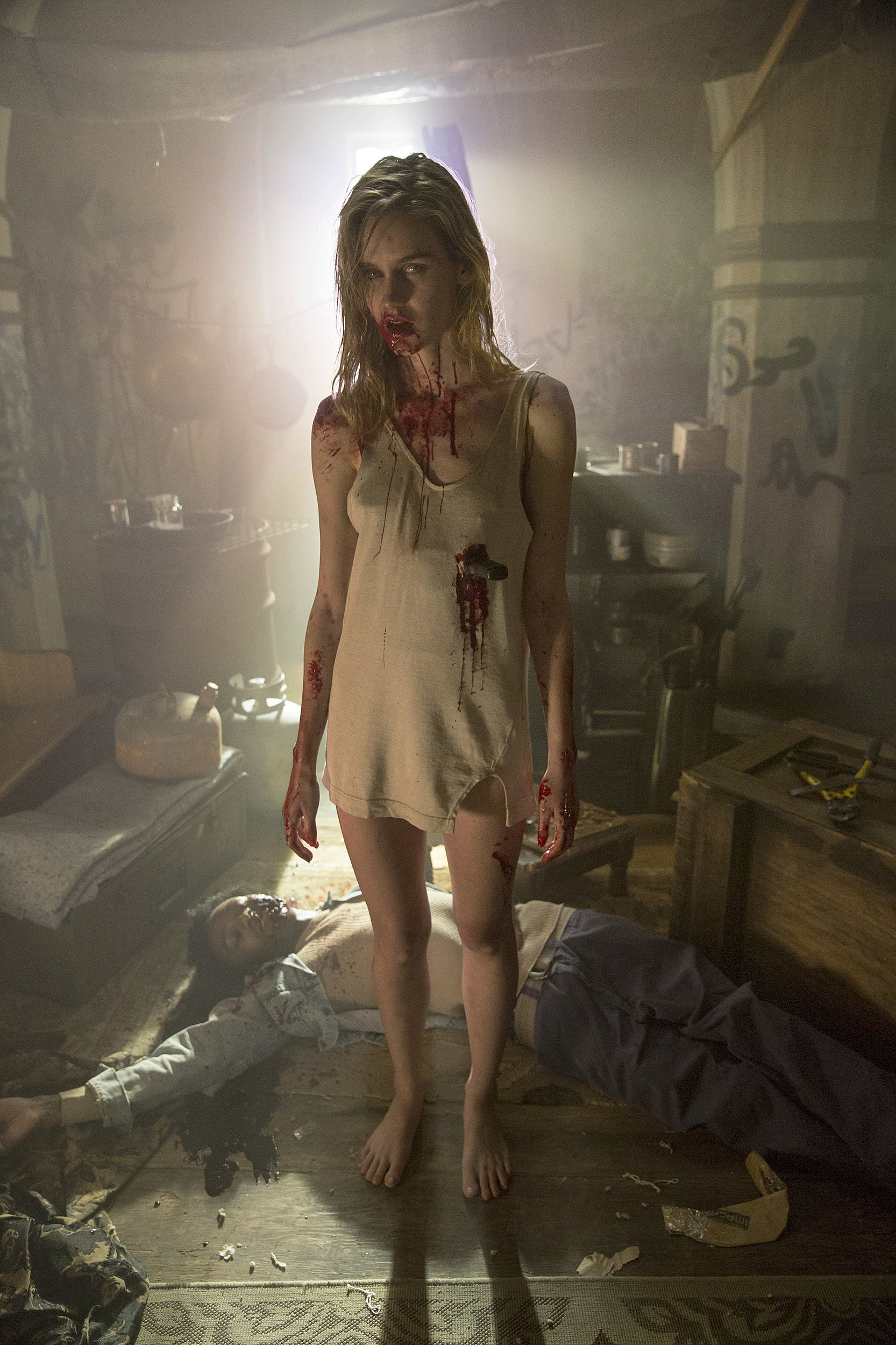 'fear The Walking Dead' Reveals First Walkers In New Photos