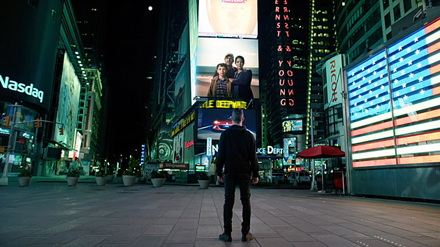 Mr Robot Times Square Darlene