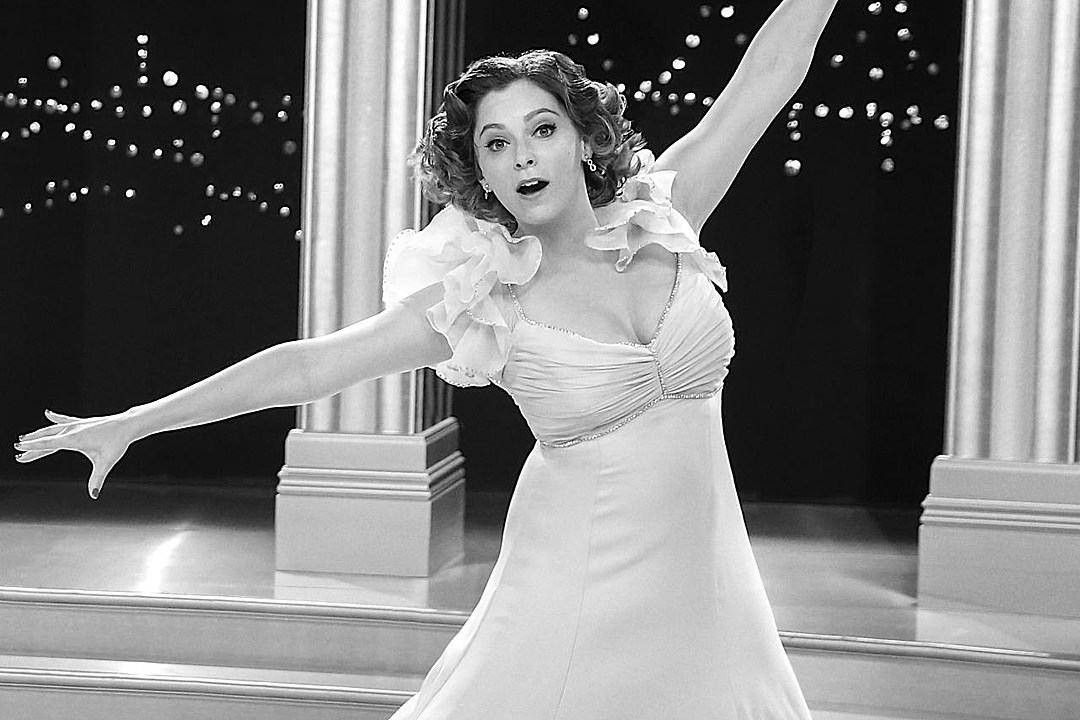 Watch \'Crazy Ex-Girlfriend\' Star Rachel Bloom\'s SNL Audition