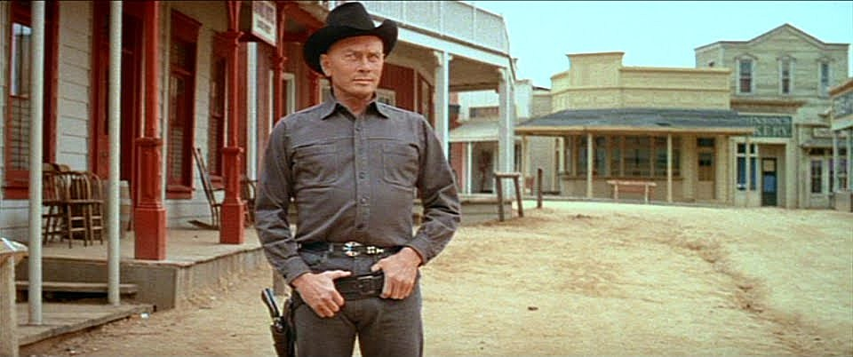 http://screencrush.com/files/2016/11/westworld_town.jpg
