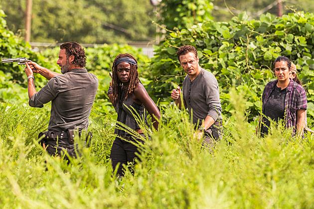 Walking Dead 2017 Photo Junkyard Boots