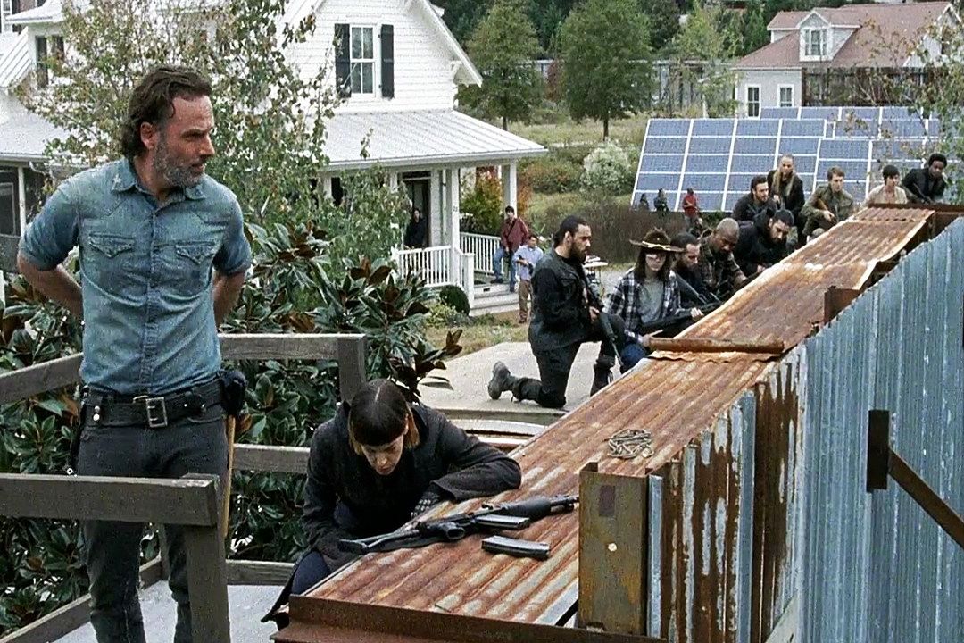 'The Walking Dead' Braces for All-Out War in Season 7 Finale Trailer