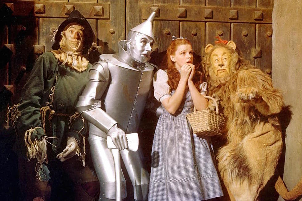 Horror film set in the world of the wizard of oz in the works dorothy is really really not in kansas anymore with new wizard of oz horror film thecheapjerseys Choice Image