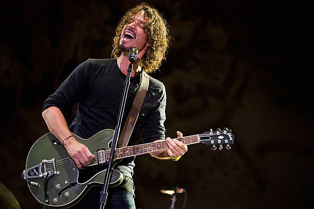 Chris Cornell wailing