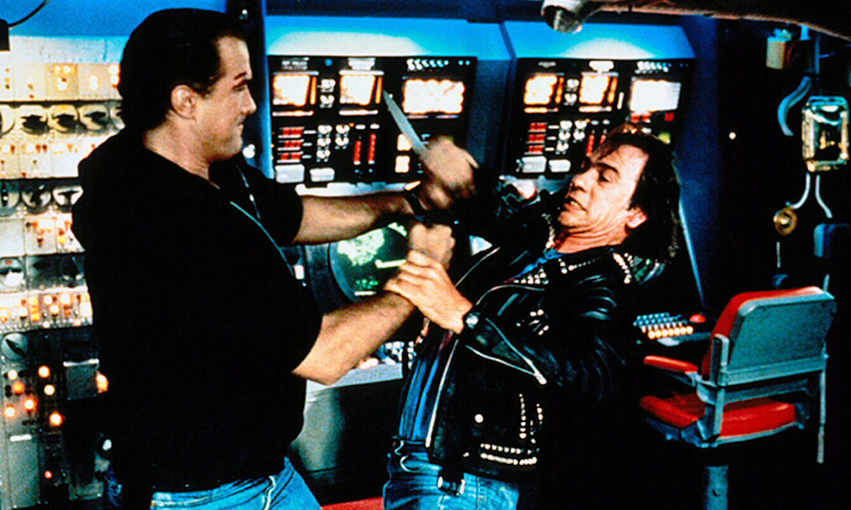 Under Siege knife fight Seagal vs Jones